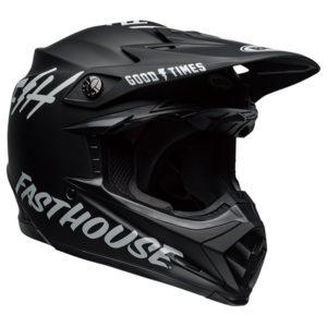 オフロード系のヘルメット