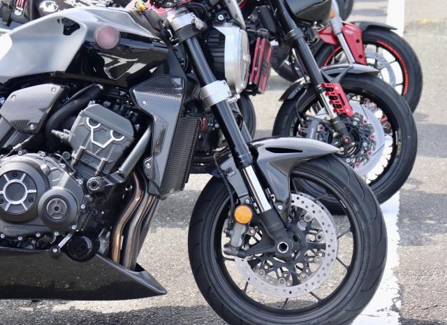 欲しいバイクを天秤にかけてどっちがいいか質問する意味